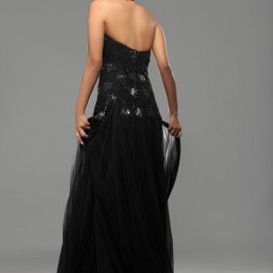 Halter_neck_sexy_black_gown